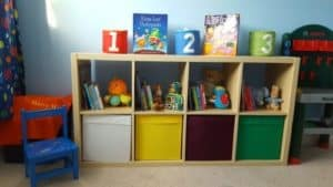 How to store your children's books - Ikea unit
